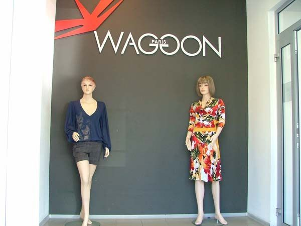"""Торговое оборудование для магазина одежды """"Wagoon"""""""
