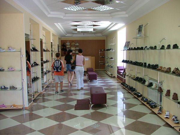 """Монтаж оборудования для магазина обуви """"Кредо"""""""