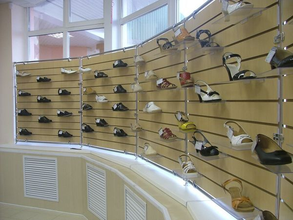 """Торговое оборудование для магазина обуви """"Юничел"""""""