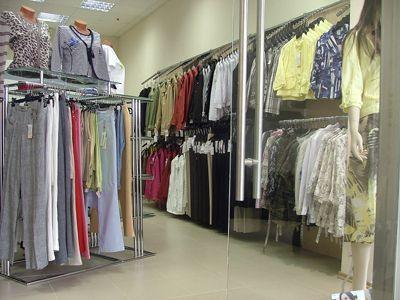 Торговое оборудование для магазина одежды Stile