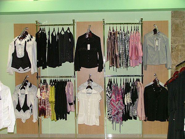 """Торговое оборудование для салона женской одежды """"Ирис"""", ТРЦ """"Европа-27"""""""