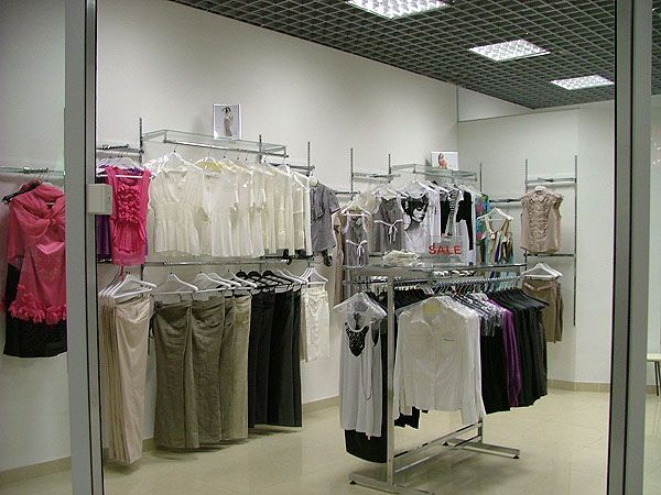 """Торговое оборудование для магазина женской одежды """"NELVA"""", ТРЦ """"Европа-27"""""""