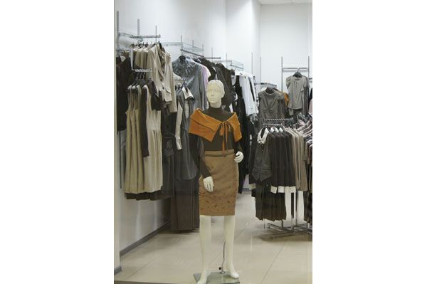 """Торговое оборудование для магазина одежды """"NELVA"""", ТЦ """"Европа"""""""