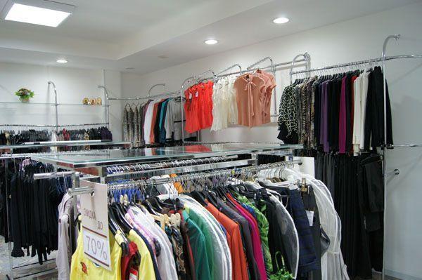 """Торговое оборудование для магазина женской одежды """"Мир Моды"""""""
