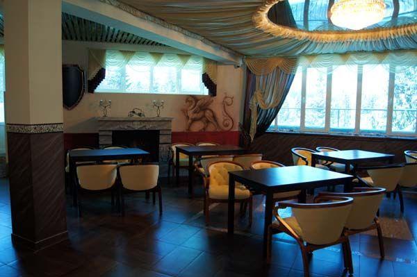 """Мебель для клуб-кафе """"7 Пятниц"""""""