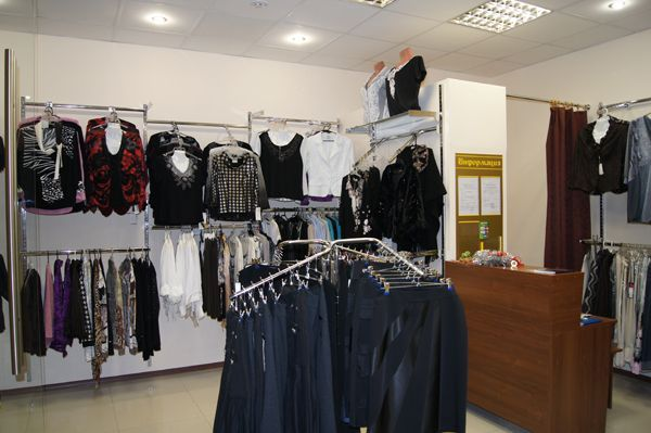 """Торговое оборудование для магазина женской одежды """"Монна Мода"""", ТЦ """"Европа"""""""
