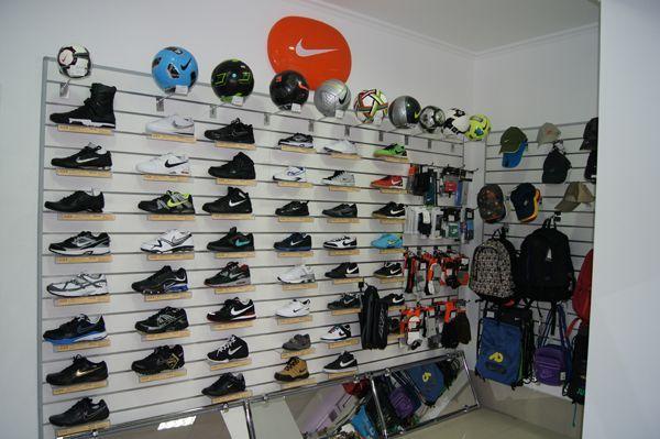 """Торговое оборудование для магазина спортивной одежды """"НИКА"""""""