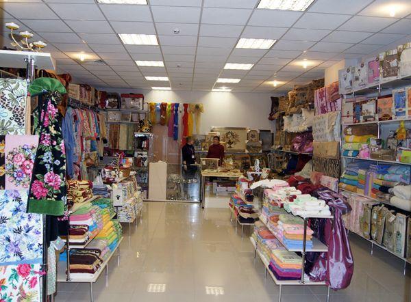 """Торговое оборудование для магазина """"Текстиль&Гобелен"""""""