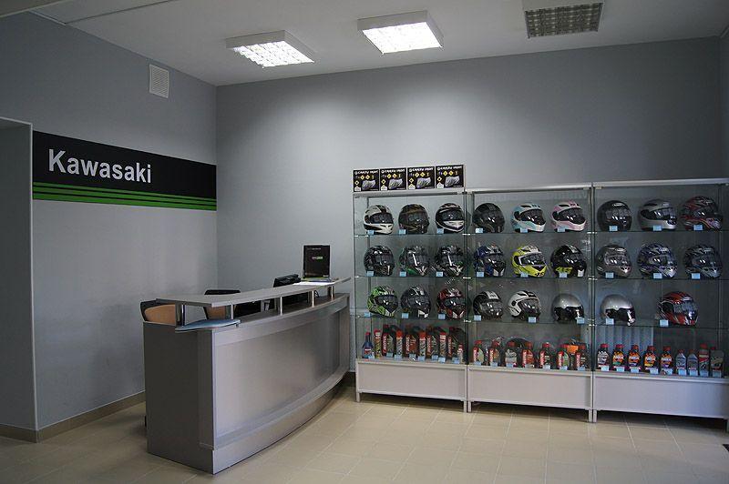 """Торговое оборудование для магазина """"Kawasaki Центр Липецк"""""""