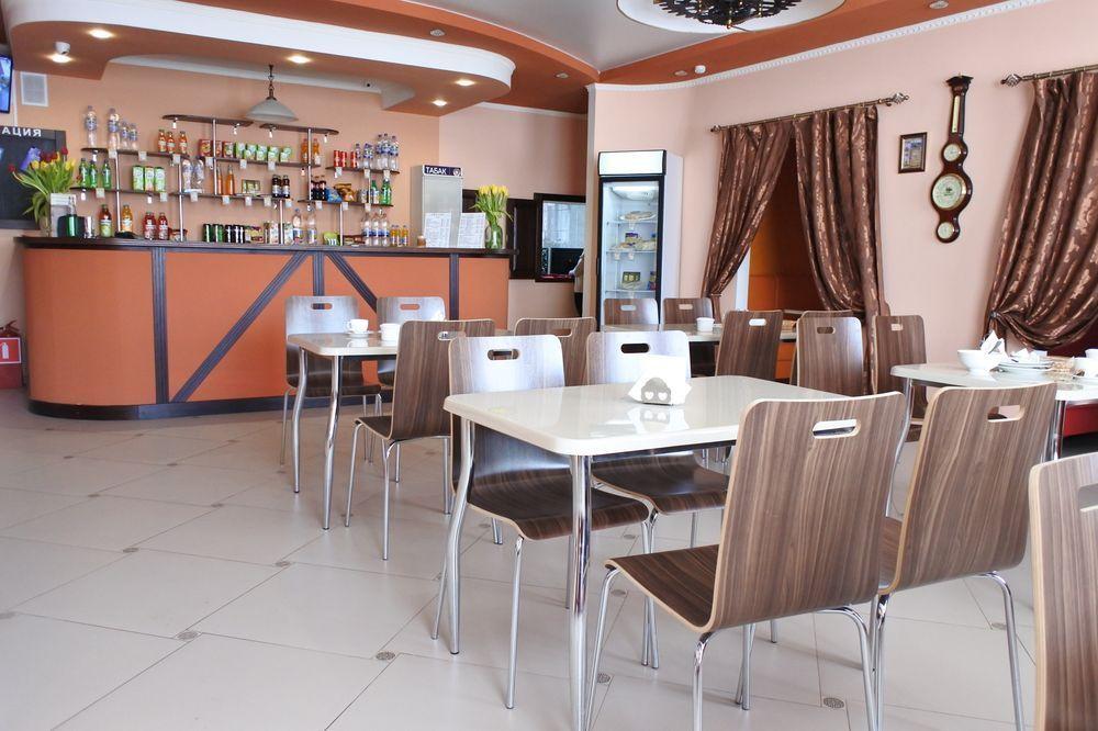 Мебель, оборудование и посуда для кафе «Время Есть»