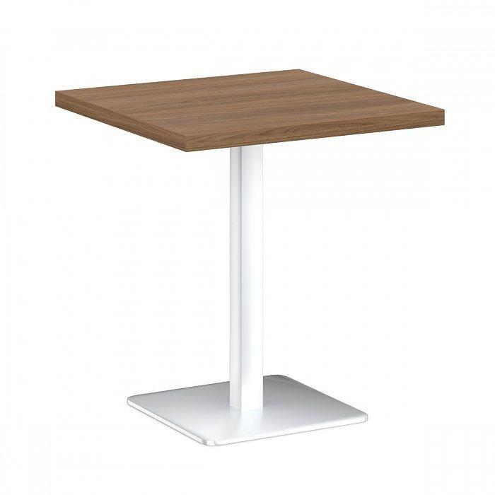 Стол на металлической опоре