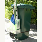 Навеска-держатель инвентаря на бак (контейнер) для мусора фото, купить в Липецке | Uliss Trade